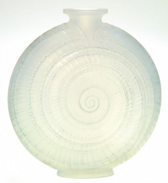 R/äder Vase escargot en porcelaine.