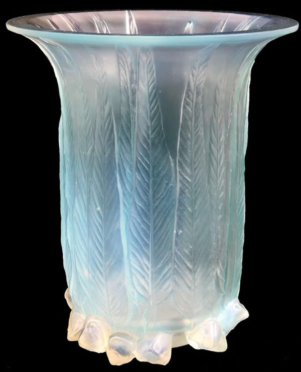 Lalique Eucalyptus Vase 15110 Rlalique
