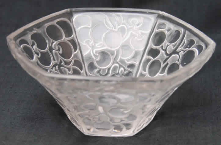 Rene Lalique Raisins Six Pans Bowl
