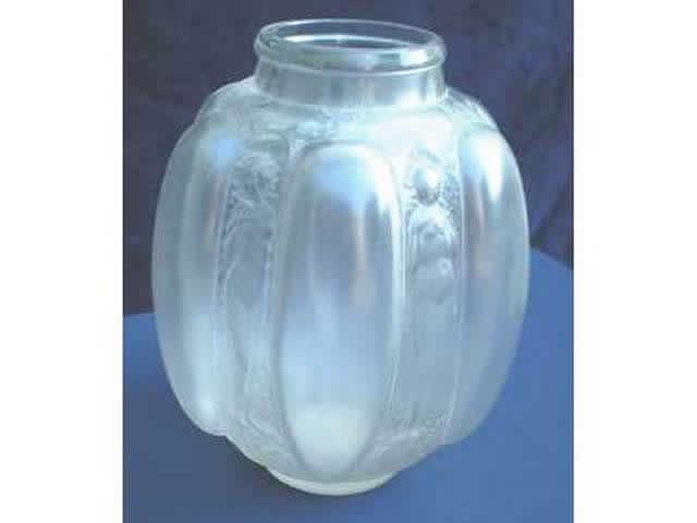 Rene Lalique Vase Six Figurines et Masques