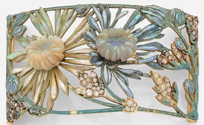 R. Lalique Chrysanthemums Collar