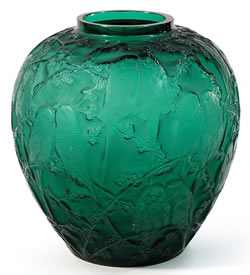 Rene Lalique Vase Perruches In Green Glass