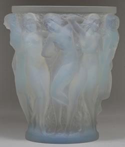 Bacchantes Opalescent Lalique Cristal Vase