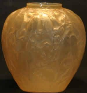 Perrruches Vase R. Lalique
