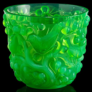 Avallon Vase In Green Opalescent Glass