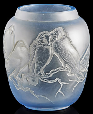 Pigeons Vase In Ice Blue Glass