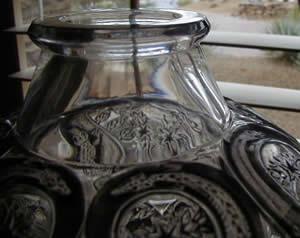 R. Lalique Lezards Et Bluets Vase Close-Up