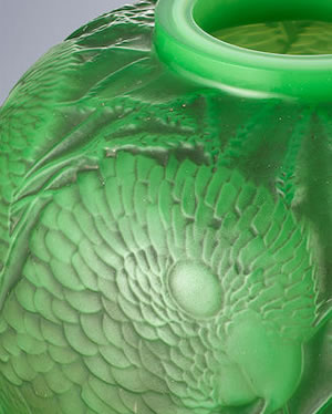 Rene Lalique Alicante Vase In Multi-Cased Green And Opalescent Glass Close-Up